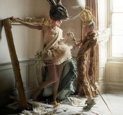 "A ""Story Teller"" at the Somerset House – Tim Walker"
