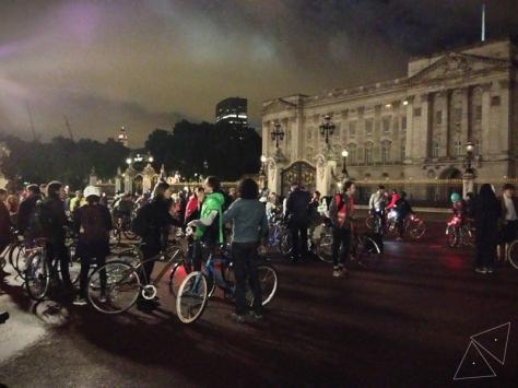 Velonotte at Buckingham Palace 1